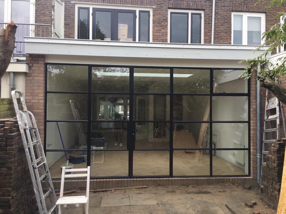 Aanbouw aan oudere woning in Haarlem